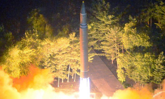 La Nord Corea lancia un missile che sorvola il Giappone: è escalation!