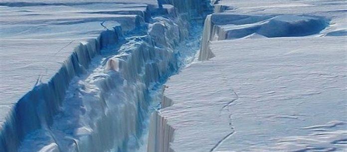Antartide: sotto il ghiaccio profonde valli