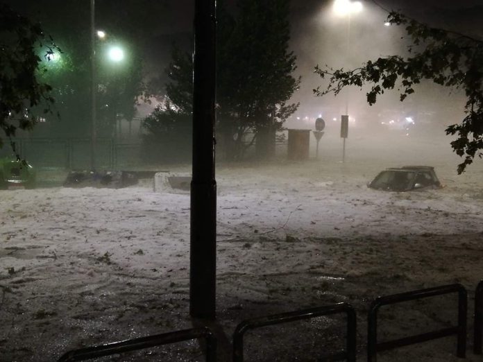 Roma come l'Artico: tempesta e tornado di grandine